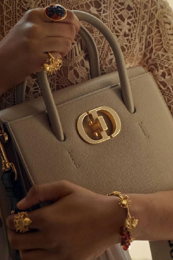 抢先看!Dior St Honoré 小牛皮手提包